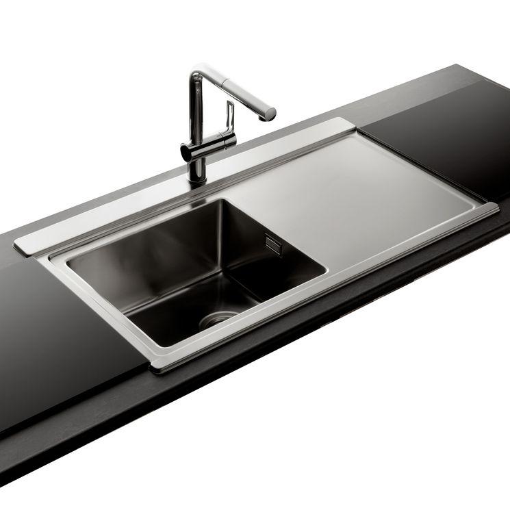 Évier inox lisse Apell OSIRIS 1 bac avec égouttoir à droite + 2 planches en verre noir